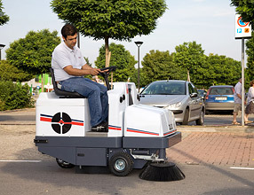 Industrial Cleaning Equipment пїЅ 1100 Series Sweeper